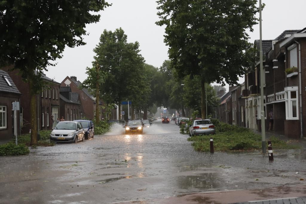 <p>Opspattend water....</p> <p>Foto: SK-Media</p> © Peel en Maas Venray