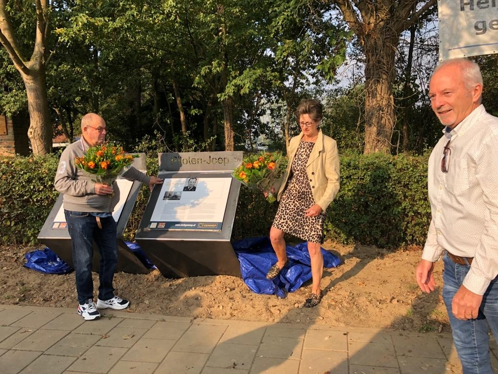 Onthulling monument 2020 Foto: JvH © Maasduinencentraal