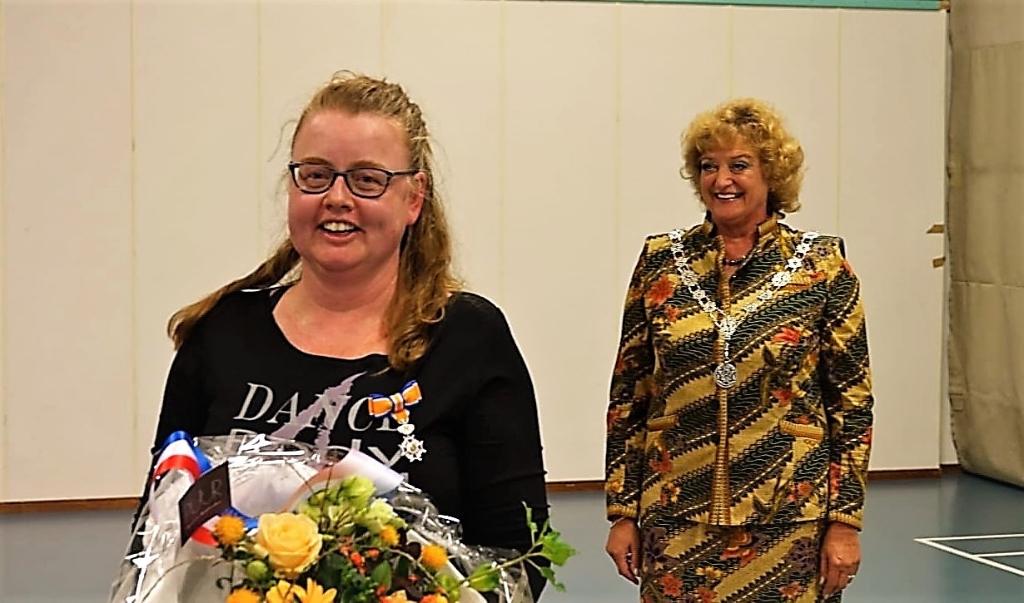 Twee burgemeesters voor twee gedecoreerden  Foto: Chris Smits © Maasduinencentraal