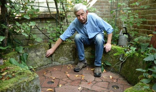 Gert Verrijdt stelt de grafstenen beschikbaar voor Bleijenbeek