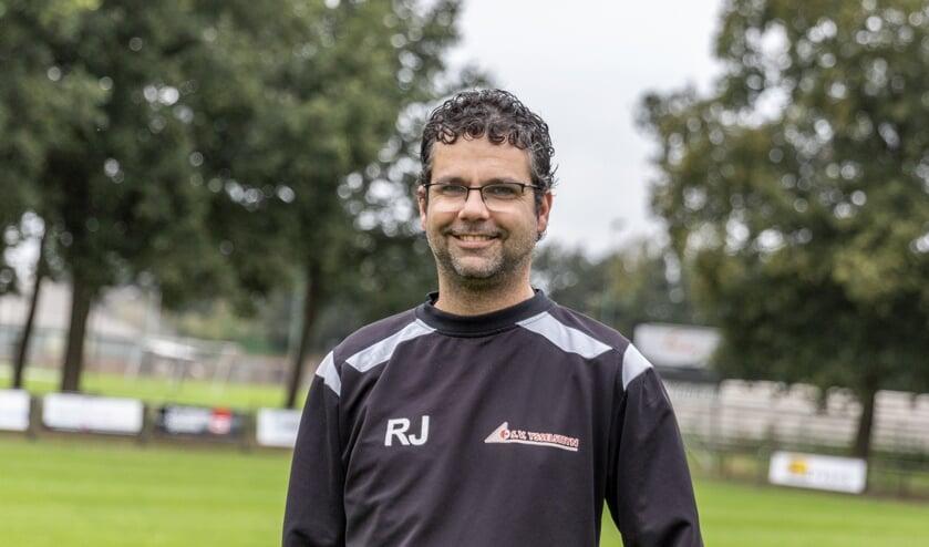 <p>Ruud Jenneskens heeft zijn contract met SV Ysselsteyn op nieuw verlengd.&nbsp;</p>