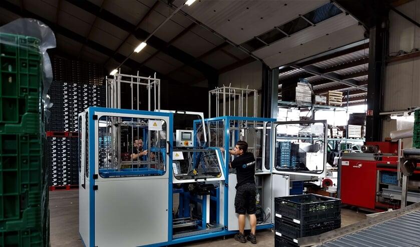 <p>Reintjes Systems plaatst eerste automatische krattenuitvouwmachine bij Tielen Groenten. </p>
