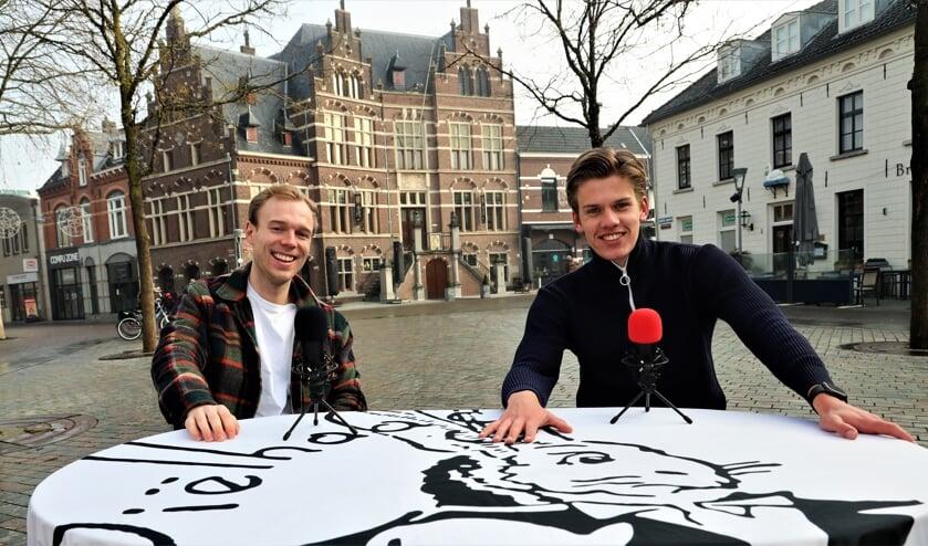 <p>Bas de Keijzer (links) en Klaas Manders zijn de initiatiefnemers van de nieuwe podcast.</p>