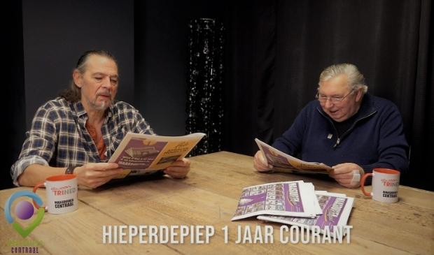 Toon en Fred hebben alleen oog voor de Maasduinen Courant