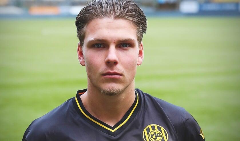 <p>Verdediger Stan van Dijck maakt het seizoen af bij Roda JC.</p>