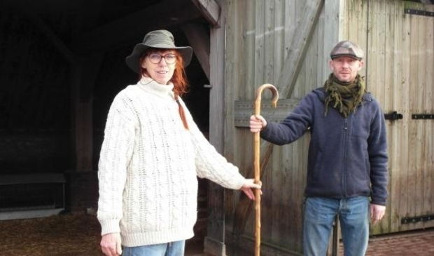 <p>Rob Kolman nam de herdersstok officieel over van Sandra Heemstra</p>