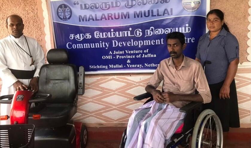 <p>Christuraja George uit Sri Lanka is blij met de hulp van Stichting Mullai Venray.</p>