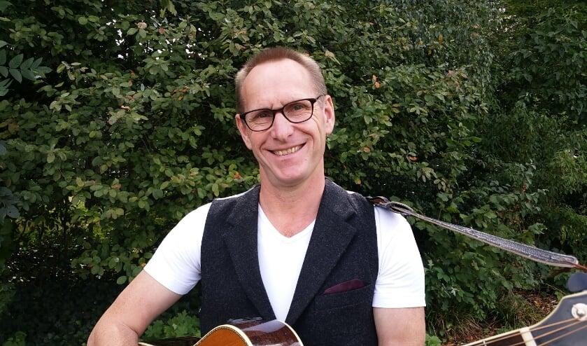 <p>Henk Deters is met zijn solovoorstelling Riestepap mit Proeme &nbsp;opnieuw op Peel en Maas TV te zien.&nbsp;</p>