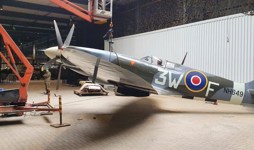 <p>De Spitfire wordt verplaatst.&nbsp;</p>