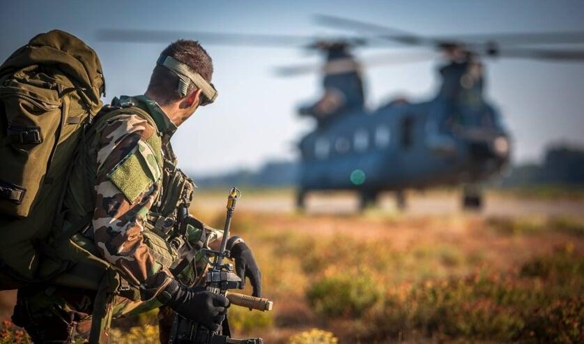 <p>Luchtmobiele eenheden ondersteunen helikopters in hun training en vliegbewegingen.</p>