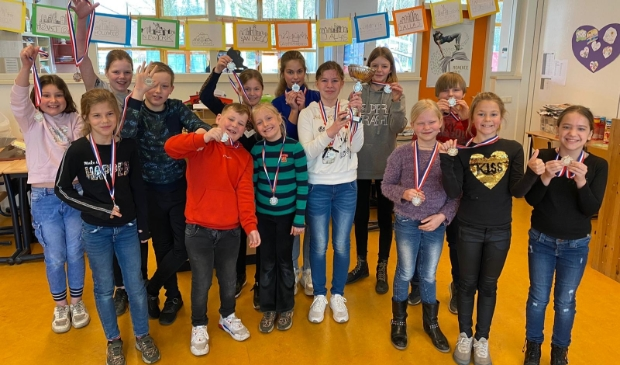 <p>Groep 6-7-8 van de Catharinaschool uit Wellerlooi</p>
