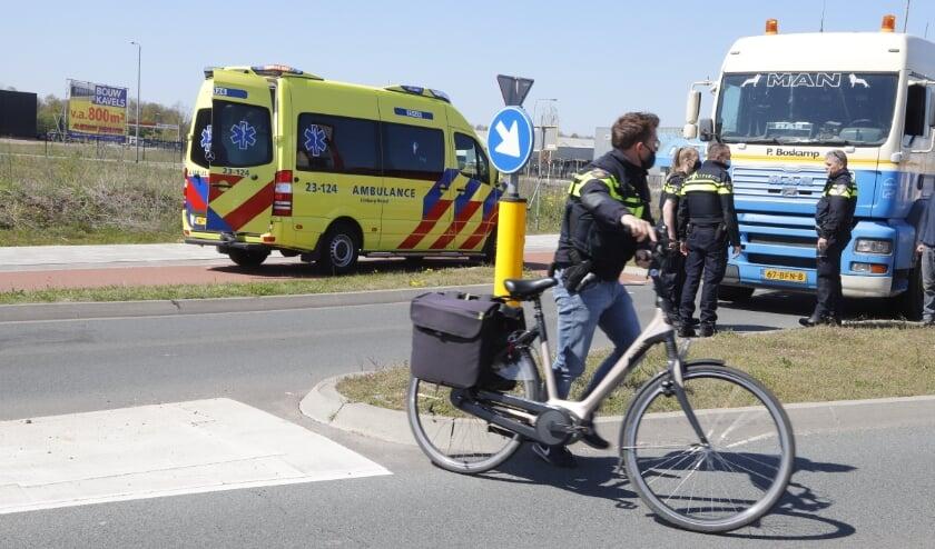 <p>Fietsster gewond na botsing met vrachtauto.&nbsp;</p>