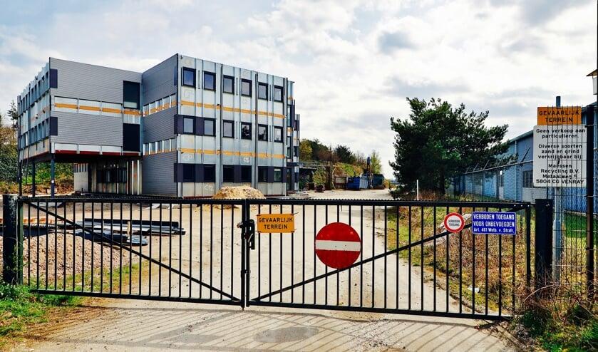 <p>Het omstreden gebouw aan de Vennenweg in Oostrum. </p>