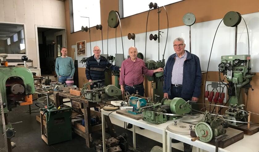 <p><br>Foto: Sander Hellegers, Carel Jeuken, Jan Koenen, Piet van Staveren (v.l.n.r.) in de oude melkfabriek.</p>