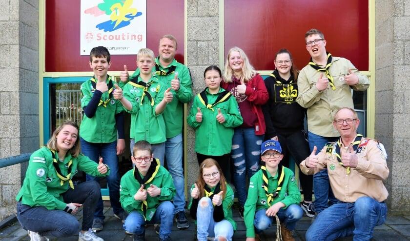 <p>De kinderen van de BE-groep wensten hun leiders veel succes voor hun wandeltocht naar Roermond.</p>