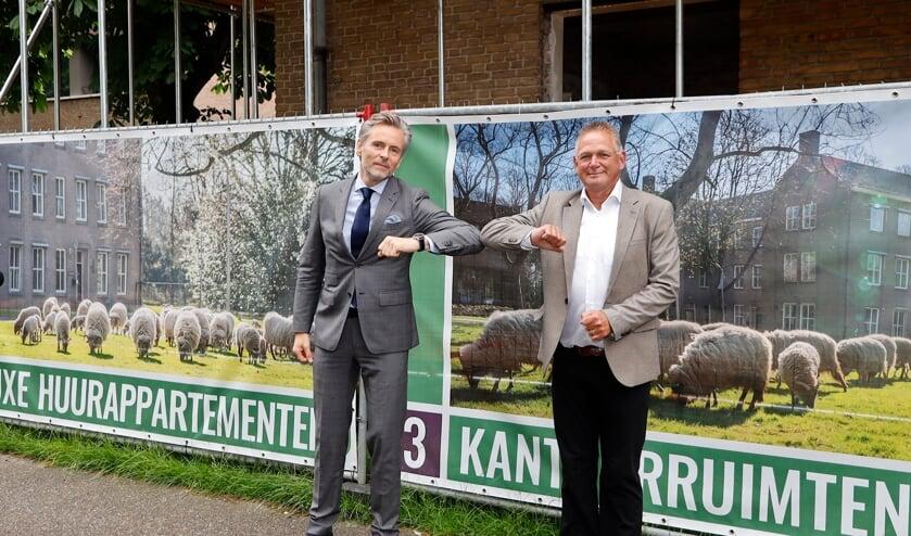 <p>Vincent Hofs, directeur Vastgoedontwikkeling bij de Renschdael Groep, en wethouder Jan Jenneskens (rechts).</p>