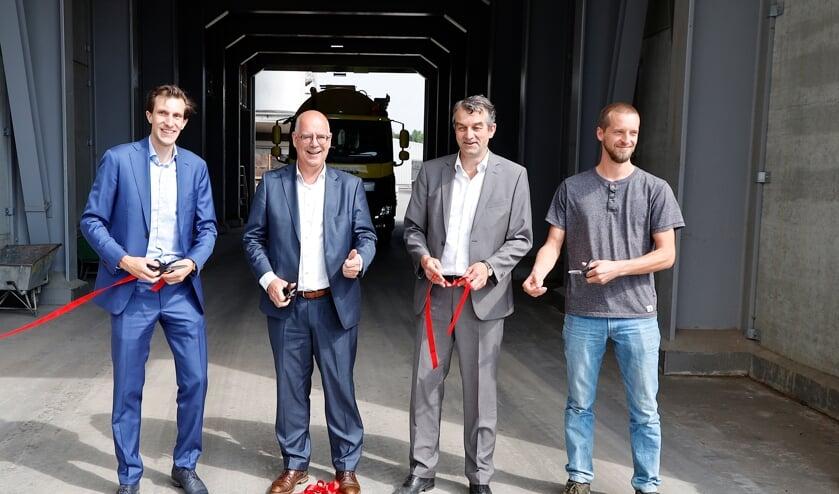 <p>De opening werd verricht door Henk Flipsen (NEVEDI), Maarten van der Beek (Adopteer Regenwoud) en Havens-directeuren Alex en Joris Kaanen.</p>