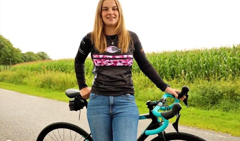 <p>Didi Houben debuteerde meer dan verdienstelijk in haar eerste triatlonwedstrijd.</p>