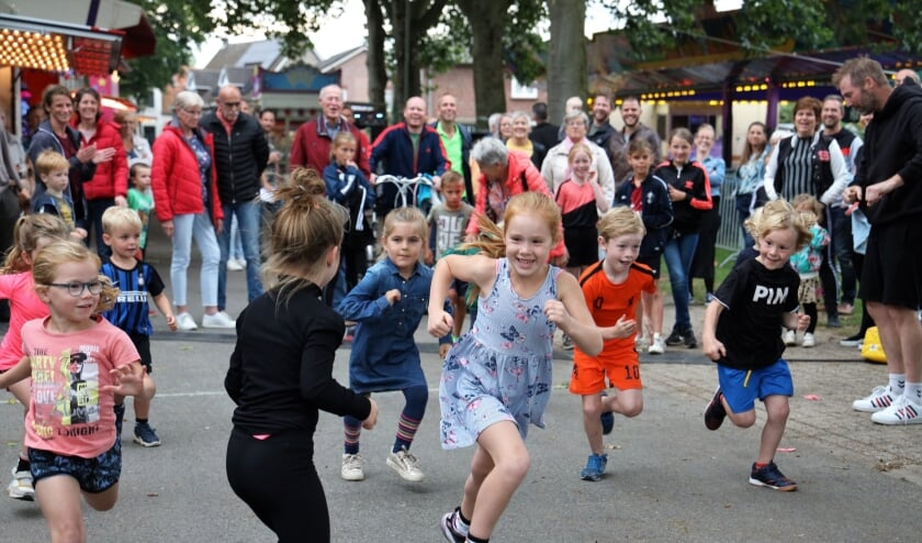 <p>De kleinste deelnemers gingen als eerste van start.</p>