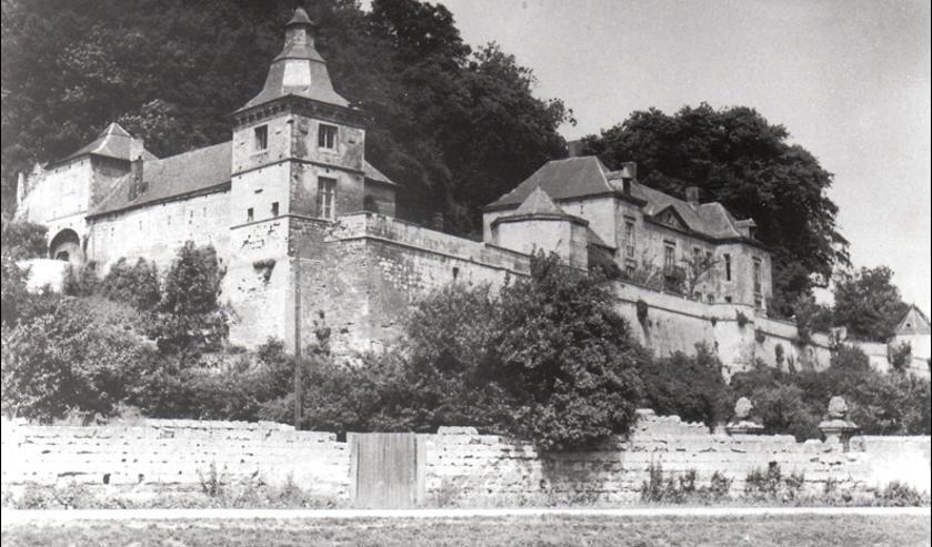 <p>Kasteel Neder-Canne. Foto gemaakt in juni/juli 1944 door een Duitse militair, werkzaam in de grotten van de Cannerberg.</p>
