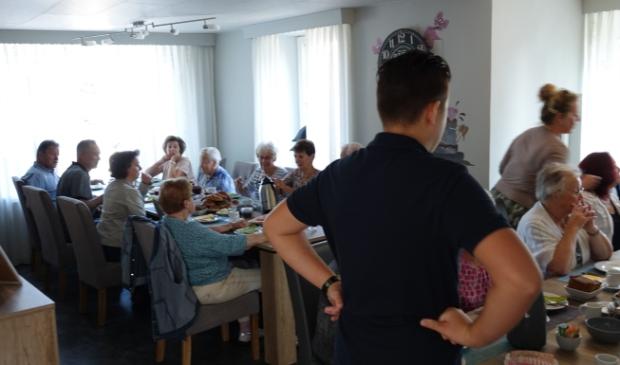 Vaste klanten genoten nog een keer van Bindelsmik Foto: Chris Smits © Maasduinencentraal