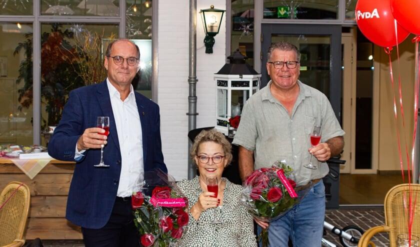 <p>De jubilarissen Henk Bisschops (links), Elly van Dijck-Kersten en Mathieu Emonts.</p>