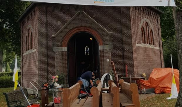 Grote schoonmaakbeurt kapel Afferden