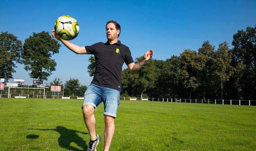 <p>Rik van Kempen hoopt na lang blessureleed weer op een volledig voetbalseizoen.</p>