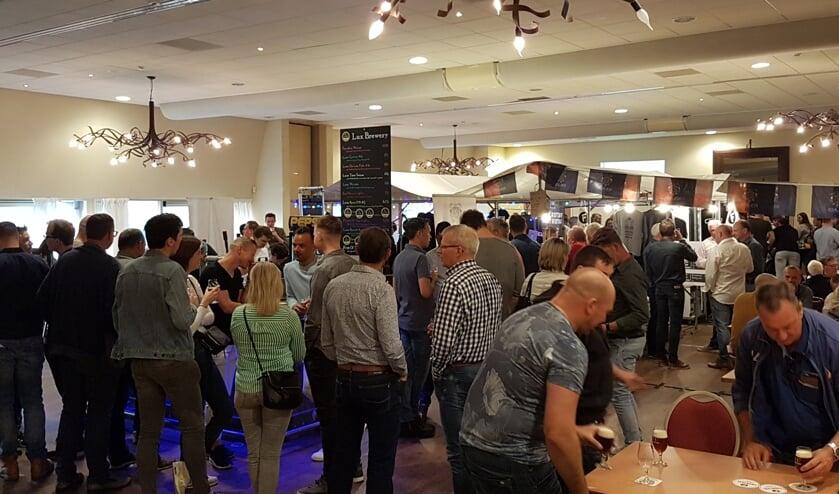 De eerste editie van het Bierfestival in de Dorpstienden werd bezocht door 400 mensen.