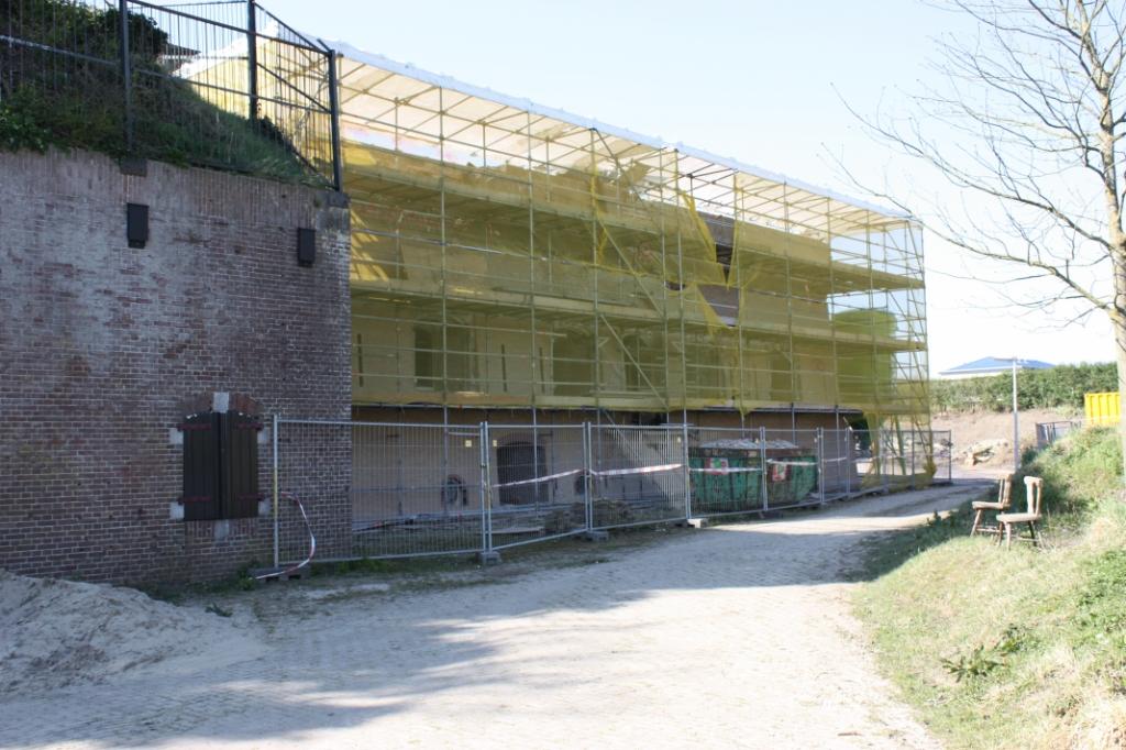 De restauratie van de geschutstoren ligt stil vanwege de coronacrisis.  ©