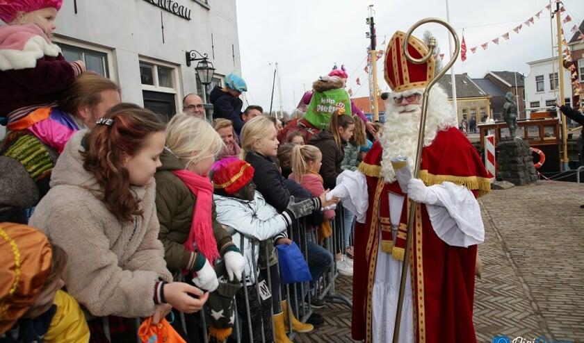 De intocht van Sinterklaas in Middelharnis gaat er door corona sowieso heel anders uitzien dan vorig jaar (Archieffoto: Wilko van Dam).