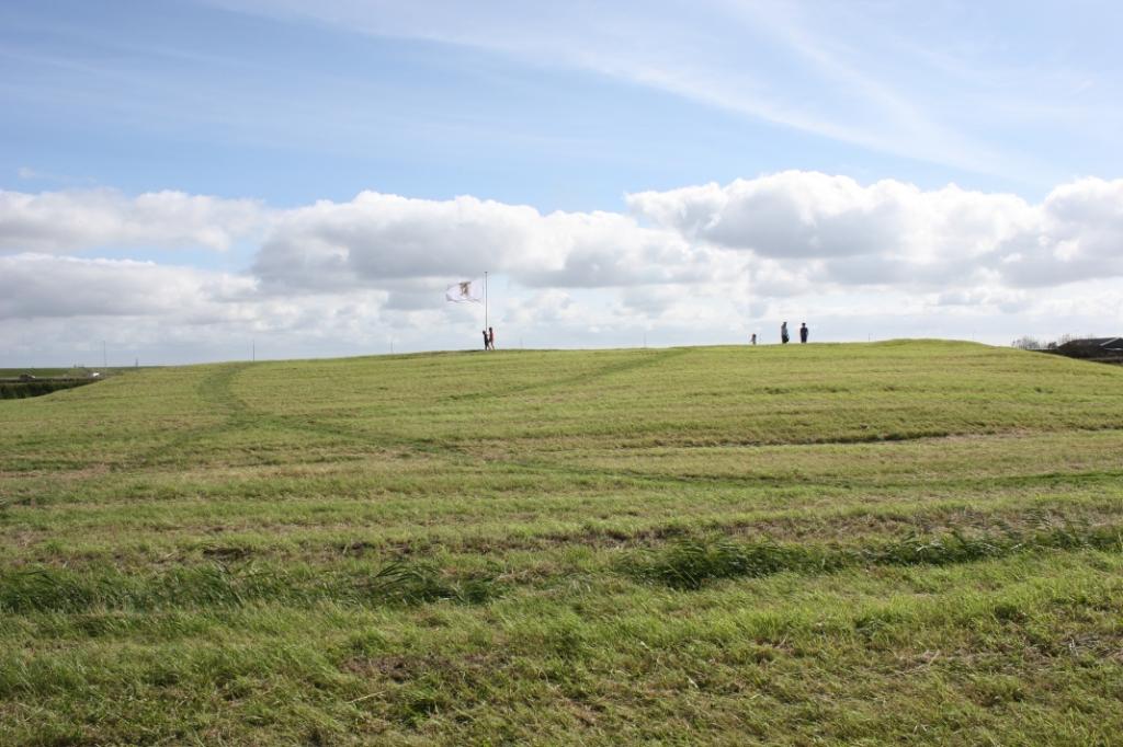 De merkwaardige motteheuvel Spreeuwenstein bij Ouddorp (Foto: Kees van Rixoort).  ©