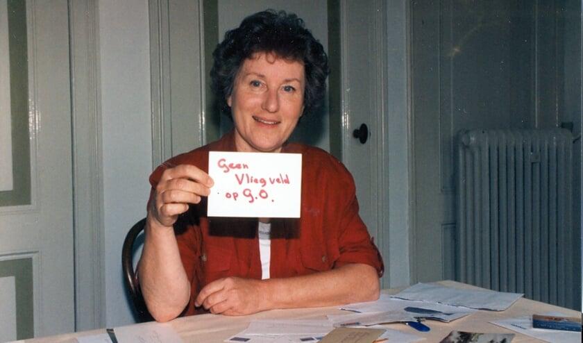 <p>Cathy Westdorp uit Dirksland was woordvoerster van het actiecomit&eacute; tegen de komst van een vliegveld op Goeree-Overflakkee. </p>