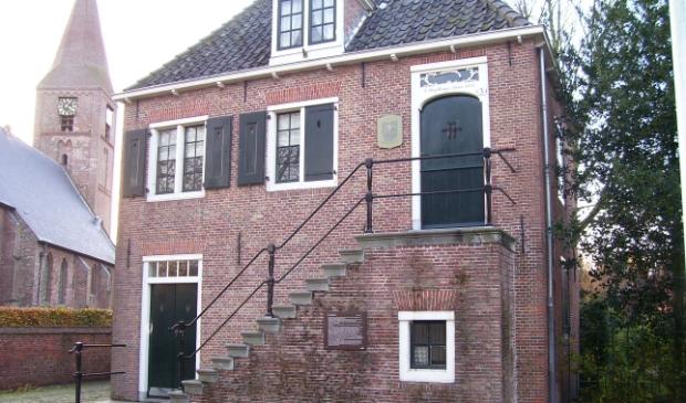 <p>Het voormalige raadhuis aan Kerkbuurt 3, een prachtig monument.&nbsp;</p>