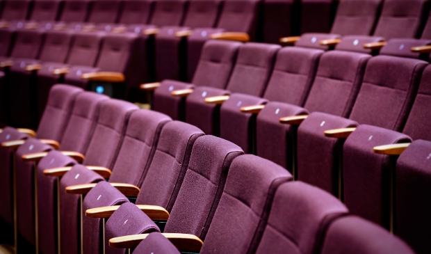 <p>Tot en met 27 oktober lege stoelen in De Vest.</p>