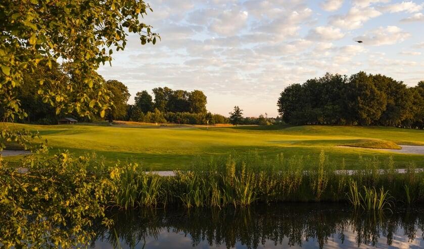 Golfbaan Zwolle ligt er fraai bij. ,,We gaan nu bouwen en zorgen dat de club weer in de lift komt.'' (Foto Tribute2Golf/Bert van der Toorn)