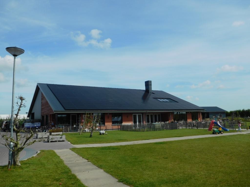 Fruitkwekerij 't Keetje in Lutjebroek biedt al plaats aan zonnepanelen. (Foto: ) © rodi