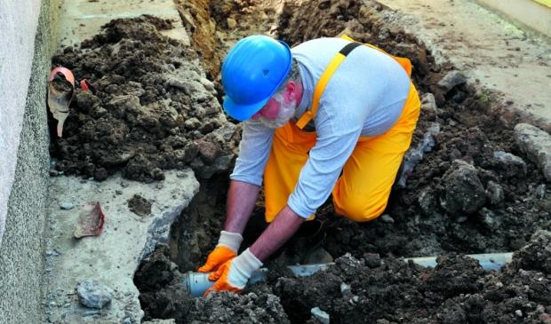 De komende 8 à 10 weken vinden er in de wijken Assumburg, Kerkbeek, Breedweer en Westertuinen werkzaamheden aan het riool plaats.