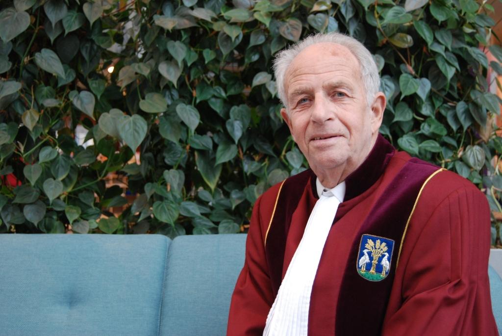 Frits Weel is Bijzonder Ambtenaar van de Burgerlijke Stand (babs) in Heerhugowaard.  (Foto: Aangeleverd) © rodi