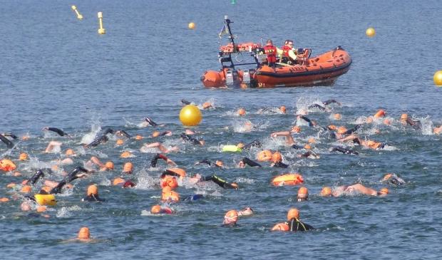 Elk jaar wordt er de Gouwzee overgezwommen!