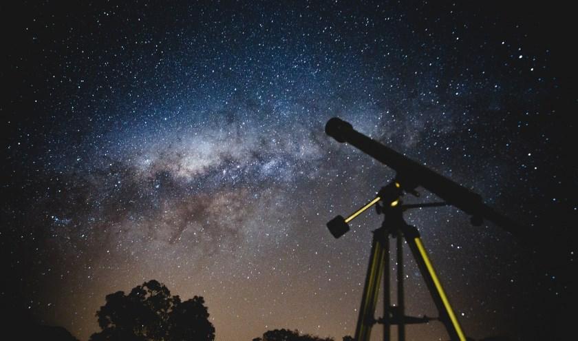 Bekijk de sterrenhemel op het dakterras van Orion.