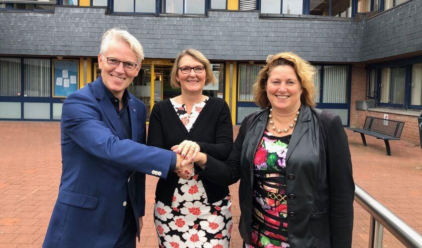 De gemeente Hoorn en V.O.F. De Rozenbuurt ondertekenden 16 oktobereen intentieovereenkomst om een nieuwe woonbuurt te ontwikkelen in Zwaag.