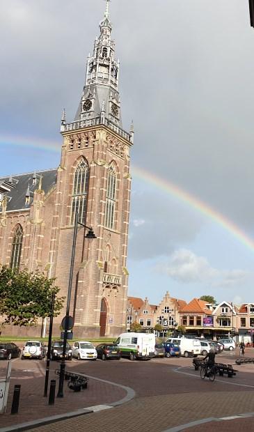 Prachtige regenboog gespot op de Markt