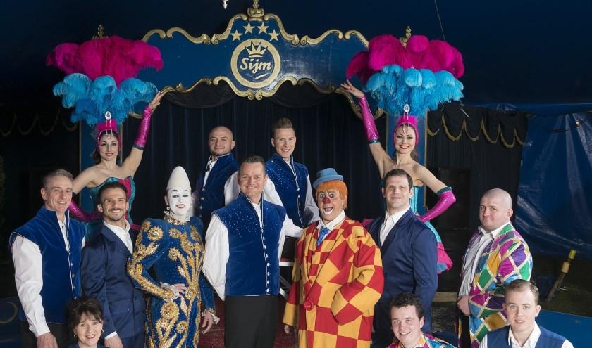 Circus Sijm brengt in Wormer, Purmerend, Hoorn en Heerhugowaard een feestelijke kerstshow.