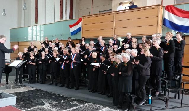 Het Driebankoor bestaat uit ongeveer zeventig leden en viert volgend jaar het vijftigjarig jubileum.