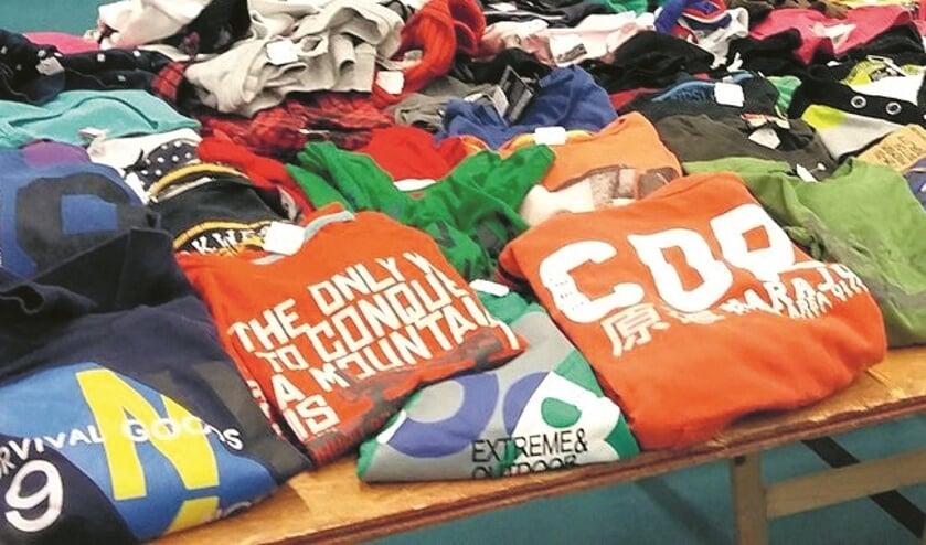 Tweedehands kledingbeurs.