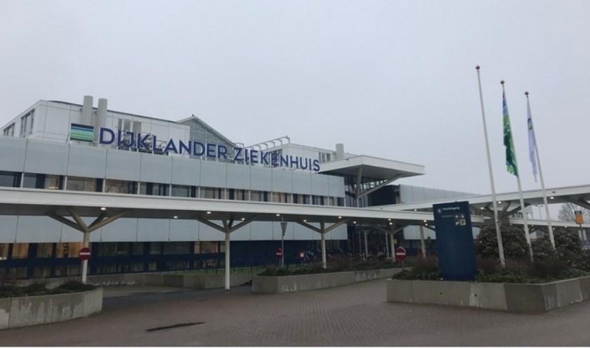 De nieuwe naam staat prominent op het dak van het Dijklander Ziekenhuis.