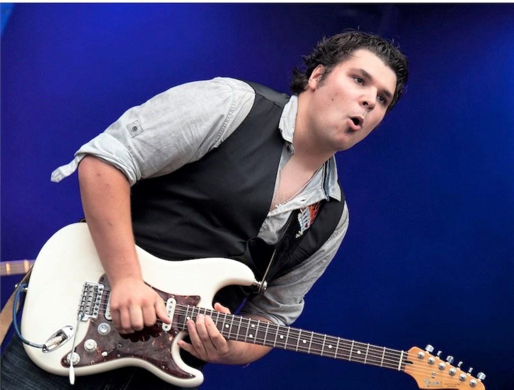 Gitarist Stef Paglia.  (Foto: Freddy Vandervelpen) © rodi