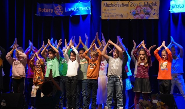 De schoolkinderen leverden een belangrijke bijdrage aan het succes.