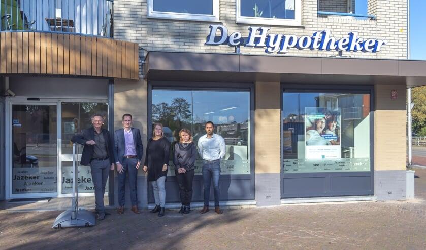 De medewerkers van De Hypotheker voor de nieuwe vestiging.